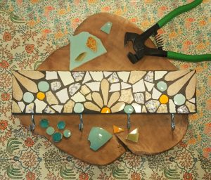 Upcycling Mosaik Workshop // Hook Rack